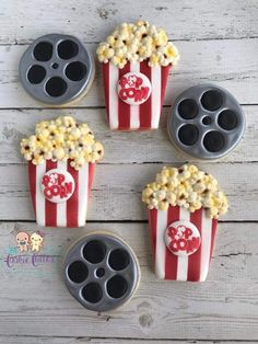 Popcorn 🍿 & Movie Reel No Bake Sugar Cookies, Sugar Cookie Royal Icing, Cookie Frosting, Iced Cookies, No Bake Cake, Cookies For Kids, Cut Out Cookies, Cute Cookies, Cupcakes