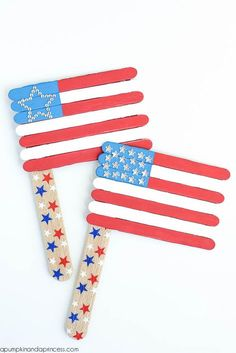 40 so-easy popsicle stick crafts for kids popsicle crafts 4th July Crafts, Fourth Of July Crafts For Kids, Crafts For Teens To Make, Summer Crafts For Kids, Patriotic Crafts, Kids Diy, Spring Crafts, Popsicle Stick Crafts For Kids, Popsicle Sticks