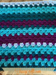 This is what my crochet temperature afghan looks like for the month of January.  It's one row per day and the color for each row is based on the high temperature for the day.  What a fun project!  Learn more at www.TracyAlt.com/crochet-blanket.html Crochet Gifts, Crochet Ideas, Crochet Projects, Crochet Patterns, Crocheted Afghans, Crochet Blankets, Crotchet, Knit Crochet, Temperature Afghan