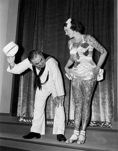 17 Kick-Ass Vintage Photos Of Women With Tattoos Betty Broadbent, a well-known tattooed lady, at the New York World's Fair, Old Tattoos, Body Art Tattoos, Vintage Tattoos, Retro Tattoos, Arabic Tattoos, Black Tattoos, Sleeve Tattoos, Anos 20s, Josie Loves