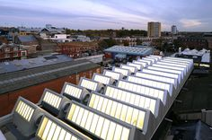 Image 15 of 35 from gallery of RCA Sackler Building / Haworth Tompkins. Photograph by Helene Binet Factory Architecture, Roof Architecture, Tectonic Architecture, Sawtooth Roof, Helene Binet, Industrial Architecture, Contemporary Architecture, Best Flights, Adaptive Reuse