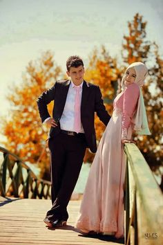 Latest Hijab Styles and its fashion. Hjabiworld is the Biggest Magazine of Pakistani and Indian wedding dresses and muslim dresses. Wedding Couple Poses Photography, Wedding Poses, Wedding Photoshoot, Wedding Couples, Photography Poses, Married Couples, Wedding Ideas, Hijab Wedding Dresses, Hijab Bride