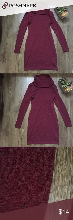 Old Navy Maroon Sweater Dress Size XS Old Navy Maroon Sweater Dress Size XS. There is some light piling. Old Navy Dresses
