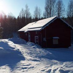Aurinkovoimaa lomalle! Solar power for your Vacation! #heikkisenlomamokit #mökki #loma #lomamökki #cabin #vacation #solarpower #suomi #finland