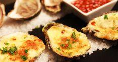 Découvrez ces huîtres gratinées à la « Dirty Dancing » avec de bons fromages québécois! Dirty Dancing, Baked Potato, Potatoes, Baking, Breakfast, Ethnic Recipes, Food, Birds, Seafood
