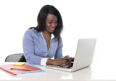 Ökad trafik till din hemsida, ökat antal leads och ökat förtroende för ditt företag är några av anledningarna till att ditt företag ska skriva en blogg.