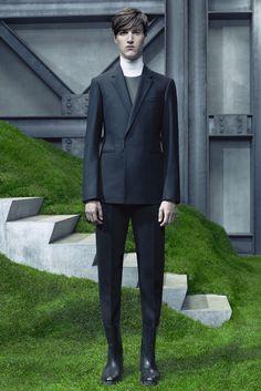 Balenciaga - Fall 2015 Menswear - Look 3 of 31