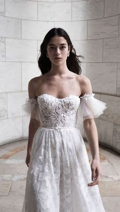 White wedding dress. Brides dream about finding the most appropriate wedding, but for this they require the most perfect bridal wear, with the bridesmaid's dresses complimenting the wedding brides dress. Here are a few tips on wedding dresses. #weddingdress