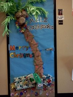 56 Ideas Funny Christmas Door Bulletin Boards For 2019 Christmas Palm Tree, 3d Christmas, Office Christmas, Christmas Humor, White Christmas, Xmas Trees, Christmas Door Decorating Contest, Holiday Door Decorations, Tree Decorations