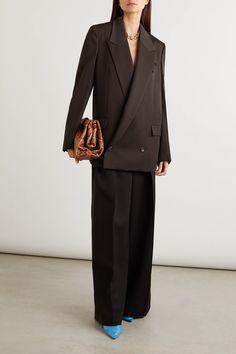 Brown Oversized double-breasted grain de poudre blazer | BOTTEGA VENETA | NET-A-PORTER Blazer Fashion, Suit Fashion, Fashion 2020, Fashion News, Luxury Fashion, Fashion Trends, Fashion Hacks, Leather Sock Boots, Cocoa