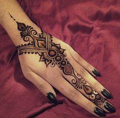 Henna Designs Easy, Mehndi Art Designs, Mehndi Images, Mehndi Designs For Hands, Henna Tattoo Designs, Simple Henna Tattoo, Henna Tattoo Hand, Henna Mehndi, Henna Art