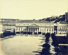 Lisboa de Antigamente: As ondas do Rocio Velho Lisbon, Cool Art, Fun Art, The Past, Louvre, Street View, History, Building, Travel