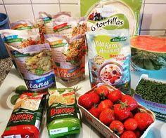 Shopping Trip zu unserem Bio -Klosterladen/Gärtnerei 😊 Lecker Vitanu Nudeln und Reis sowie lecker Gemüseburger. Die Tortilla werden wir mal testen - sowas hab ich bisher noch nicht probiert selbst zu machen.  Spezial Müsli mal zum probieren in Mischung mit Herbalife Vanille Shake in Yogurth. 🍈🍏🍎🍅🍓🍏🍉 Früher bin ich nie in diesen Geschäften gewesen und hab nie was gekauft.  Woe sich dad Leben und die Einstellungen ändern können 😎😊 #gesundessen #abnehmen #foodblogger #healthy #nudeln…