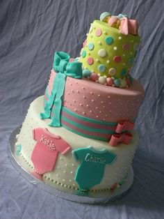 TWINS BABY SHOWER cake.
