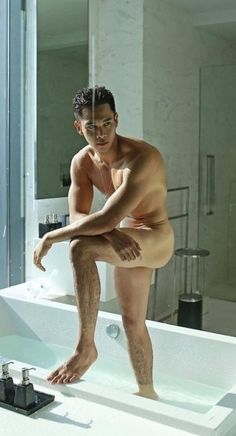 Artists And Models, Male Models, Macho Alfa, Barefoot Men, Shower Time, Male Beauty, Asian Beauty, Gym Rat, Hot Boys