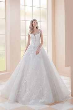 Cheap Wedding Dress, Wedding Dresses, Gown Wedding, Wedding Bridesmaids, Lace Wedding, Wedding Dress Necklace, Chapel Train, Floral Lace, Wedding Events