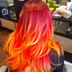 The new starburst hair color trend is deliciously juicy - - Punk Hair Color, Vivid Hair Color, Beautiful Hair Color, Ombre Hair Color, Cool Hair Color, Rainbow Hair Colors, Colourful Hair, My Hairstyle, Cool Hairstyles