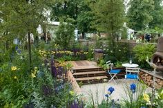 Scaffolding board decking and fence // Nilufer Danis, Hampton Court Flower Show 2012