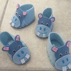 Contenant à dragées,chausson hippopotame  en feutrine fait main ,chausson sachet dragée ,boite dragée originale