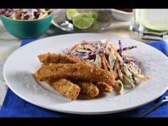 Barritas de Pescado con Parmesano y Ensalada de Col Morada