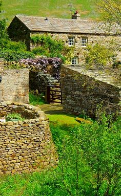fuckitandmovetobritain:  Muker, Swaledale, Yorkshire Dales, North Yorkshire,England, UK  ~ I am pinning this mostly for the caption....pf