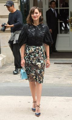 67f905abb68b Photo of Marion Cotillard - Paris Fashion Week Haute Couture Autumn - Winter  - Christian Dior - Arrivals - Picture Browse more than pictures of  celebrity ...
