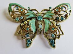 Vintage Exquisite Large Avon SP Pale Turquoise Enamel And Rhinestone Brooch Pin Art Nouveau Jewelry, Jewelry Art, Jewelry Design, Gothic Jewelry, Antique Jewelry, Vintage Jewelry, Indian Jewelry, Felt Brooch, Brooch Pin