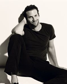 Oh that smile ... like he is saying be mine ...