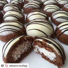 ・ ・ ・ A delicious recipe that will be appreciated with its taste and presentation . Cookie Recipes, Dessert Recipes, Desserts, Eid Biscuits, Bread Machine Recipes, Cinnamon Bread, Sweet Cookies, Cafe Food, Arabic Food