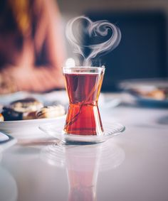 Post a photo or video of the tea you drink here Real R . Coffee Time, Tea Time, Lava, Chai Recipe, Turkish Tea, Coffee And Books, My Cup Of Tea, Drinking Tea, Tea Party