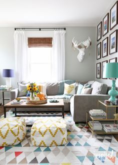 Fall Home Tour 2015 via inspiredbycharm.com / Living Room #fall #decor #decorating
