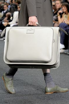 def2594fe87 Farfetch - For the Love of Fashion. Louis Vuitton ...