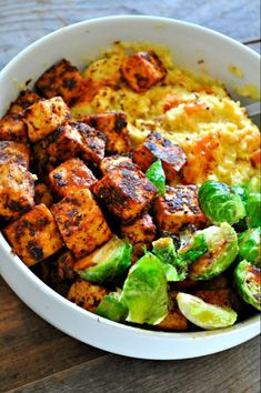 Sep 10, 2019 - Vegan baked blackened tofu served with cheesy grits will be your new favorite comfort food! Super quick, so easy and amazingly delicious!