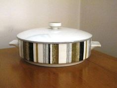 Midwinter 'Marquis of Queensborough' lidded by JulesetVianne, £22.00
