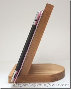 """""""DIY Tablet Holder by virginiasweetpea.com"""" definitely for Eric to do ;)"""
