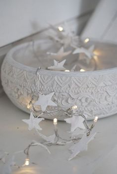 Top 40 Christmas Star Decoration IdeasStars are the charm of Christmas decoration, isn't it? Whether you hang the massive stars from the ceiling or use tiny stars, Christmas decoration seems incomplete without them. Today, we'll share 40 ways to use stars for Christmas decoration. Read…
