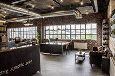 Booxesuna agencia de diseño gráfico, web y marketing digital que podría ubicarse en un loft de NY pero está en Jerez.