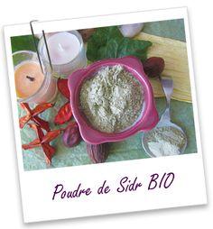 Poudre ayurvédique Sidr BIO | Riche en saponosides, le Sidr est réputé pour laver et embellir les cheveux. Il présente l'avantage de laver les cheveux qui ont été colorés (notamment avec de l'Indigo ou du Katam) sans les faire dégorger et en fixant la couleur. Riche en mucilages et astringente, cette poudre de feuilles est également utilisée pour apaiser les maladies du cuir chevelu et lutter contre les pellicules et les démangeaisons cutanées.