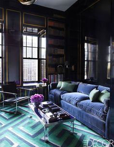 The color kingdom: Rich and catchy shades in Chicago apartment | PUFIK. Beautiful Interiors. Online Magazine