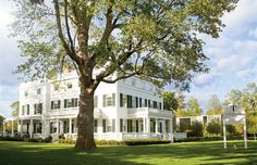 Hamptons anyone? Luxury Card VIP's enjoy complimentary breakfast for two daily and a $100 food and beverage credit @toppingrosehouse. Revel in gallerist-curated art, historic and modern architecture, anything-you-can-dream-of service, farm-to-table cuisine and understated luxury. #membersonly #viptravel #lifewithoutlimits #toppingrosehouse  #hamptons