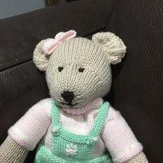 Create a free account Knitting Bear, Teddy Bear Knitting Pattern, Knitted Teddy Bear, Teddy Bear Toys, Bunny Toys, Baby Knitting Patterns, Teddy Bears, Free Knitting, Swatch