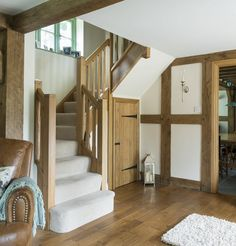 A few weeks ago I was lucky enough to spend the day styling some pics of a house Border Oak built for some good pals of mine. Cottage Stairs, House Stairs, Barn Conversion Interiors, Border Oak, Oak Framed Buildings, Oak Frame House, Cabin Doors, Oak Stairs, Edwardian House