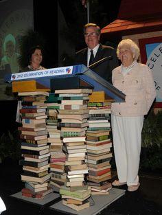 Barbara Bush & Literacy Barbara Pierce Bush, Barbara Bush, George Bush Family, Library Boards, George Hw, Great Novels, Different Feelings, Moving Forward, Ladies Fashion