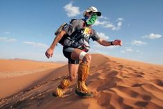 "These People Are Trying to Run 155 Miles Through the Sahara Desert. The Marathon des Sables, or marathon of the sands, has built a reputation as the ""toughest foot race on Earth"" since it began in 1986 with 23 runners. Running Tips, Trail Running, Running Shoes For Men, Road Running, Running Quotes, Cross Country, Ultra Trail, Long Distance Running, Ultra Marathon"