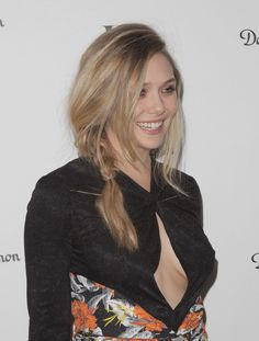 Elizabeth Olsen and her cute smile ( i.it ) submitted by CharlieCereza to /r/Celebs 0 comments original Elizabeth Olsen and her . Elizabeth Olsen Scarlet Witch, Queen Elizabeth, Olsen Sister, Elisabeth, Actrices Hollywood, Ashley Olsen, Famous Women, Woman Crush, Beautiful Celebrities