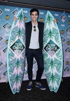 Matthew Daddario at the 2016 Teen Choice Awards
