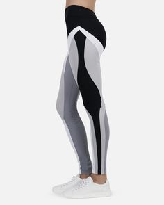 Kino Pant in White, Pearl, Fog, Black – Reservoir White Workout Leggings, Workout Leggings With Pockets, Gym Leggings, Athletic Fashion, Athletic Outfits, Best Leggings For Work, Workout Attire, Workout Wear, Sport Tights