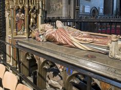 The Road to Rome :: Canterbury Cathedral, tomb of Thomas Becket Uk History, British History, Medieval Art, Medieval Fantasy, Eleanor Of Aquitaine, Famous Historical Figures, Canterbury Cathedral, Famous Graves, Plantagenet