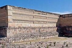 Mitla, Oaxaca. Een georganiseerde rondreis Mexico met manlief in 2003.