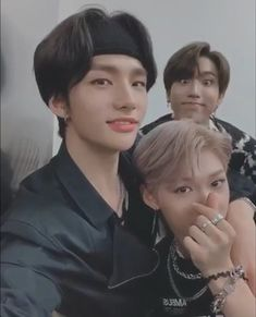 In the video -Felix giving us the love we don't deserve -Jisung being a squirrel and acting like a baby -Hyunjin looking hot af🥵 and nobody can relate Tag yourself! I am NOT Hyunjin😪 Disrespectful Kids, Felix Stray Kids, Baby Squirrel, Aesthetic Themes, Looking For People, Kid Memes, Kids Wallpaper, Animal Ears, Lee Know